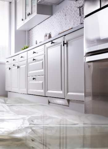 How to Dry Kitchen Cabinets